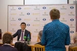 Кирсан Илюмжинов встретился с Жоресом Алферовым