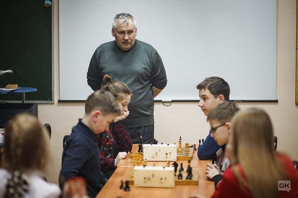 работы шахматного тренера